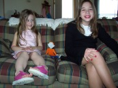 Hanna w Big Sis and Flat Stanley